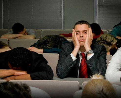 Tips Membuat Presentasimu Membosankan