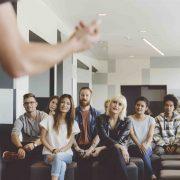 12 Tips Menjadi Pendengar yang Baik (Part 1)