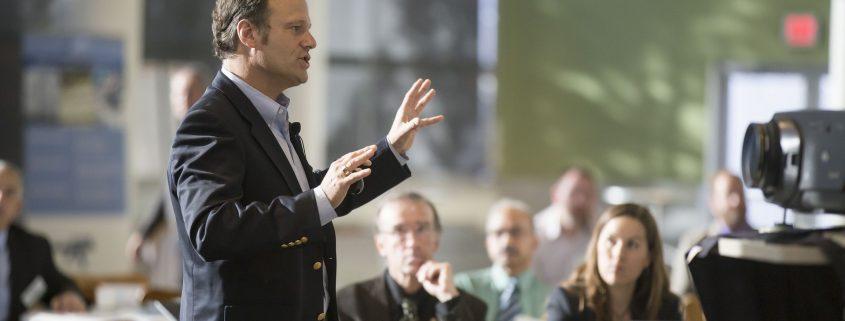 Empat Prinsip yang Harus Dipatuhi dalam Public Speaking