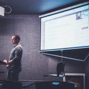 Teknik Publik Speaking: Think Fast, Talk Smart