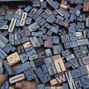 Memilif Font yang Tepat untuk Presentasi Hebat : Serif vs San Serif